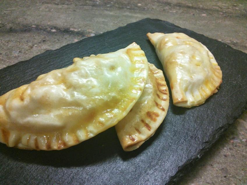 Empanadillas de carne y queso de tetilla