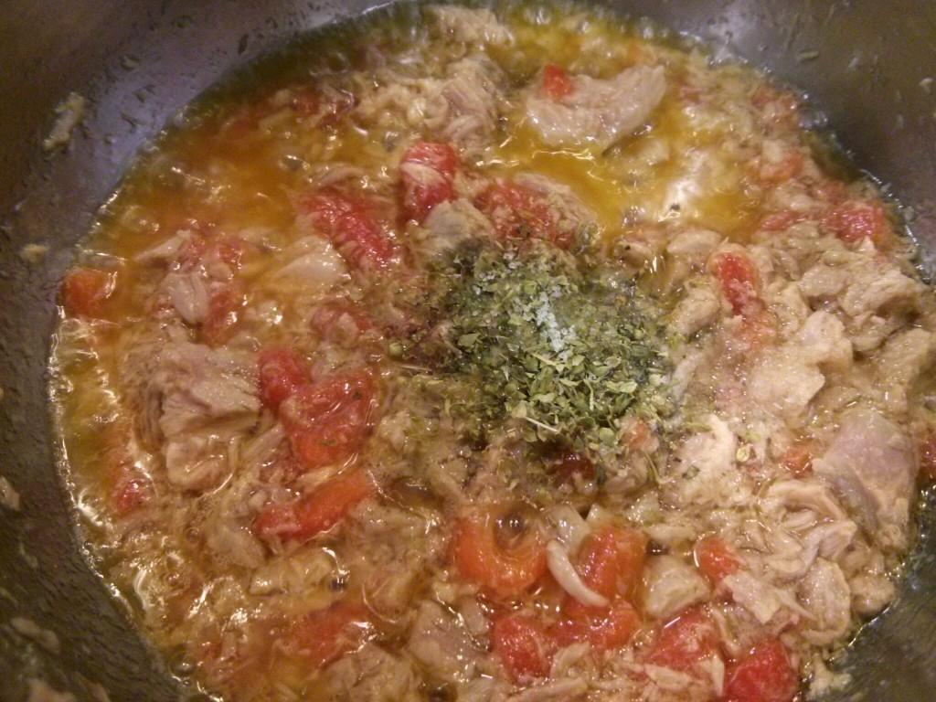 Pasta con atún y pimentos